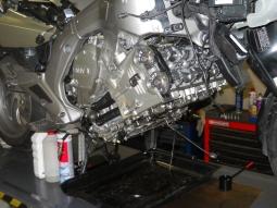 BMW K1600GT/GTL - oprava bez demontáže