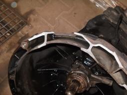 převodovka FORD - poškozeno montáží
